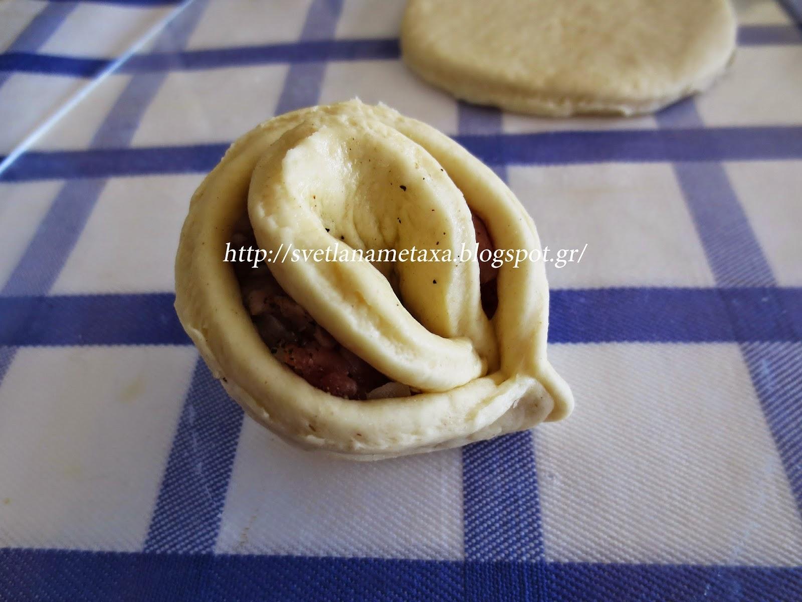 Пирог хризантема с фаршем и сыром пошаговый рецепт