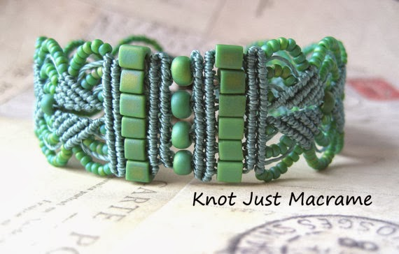 Micro Macrame Leaves Bracelet