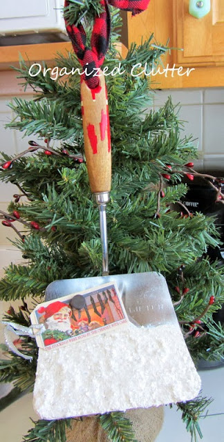 Spatula Re-purposed as a Snow Shovel www.organizedclutterqueen.blogspot.com
