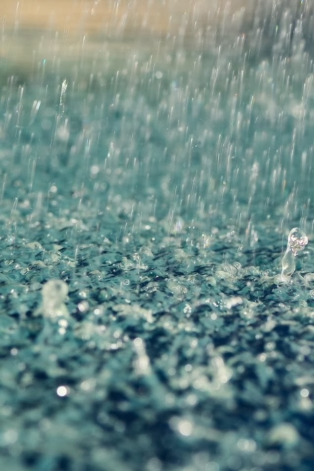I love when you smile when it´s raining
