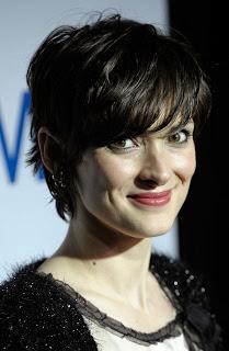gaya rambut pendek wanita modern