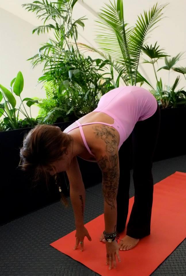 lululemon-yeah-yoga-tank-vintage-pink