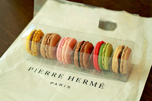fashiomodeling pierre herm paris macarons. Black Bedroom Furniture Sets. Home Design Ideas