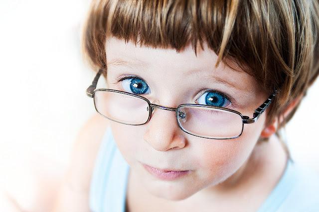 Que hacer si tu hijo tiene que usar gafas