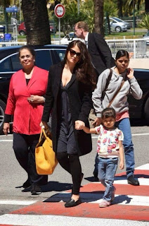 Aishwarya showed off her deep cleavage in black top and leggin with her daughter