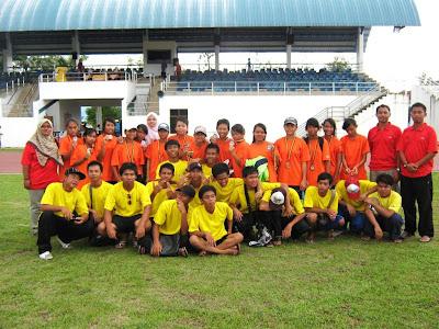 Pasukan sofbol Sibu semasa Kejohanan Sofbol MSS Sarawak di Betong pada tahun 2009