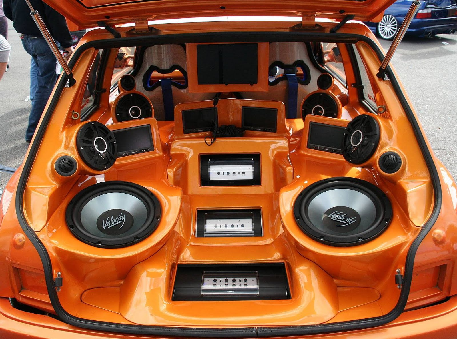 Can you hook up an amp to car speakers