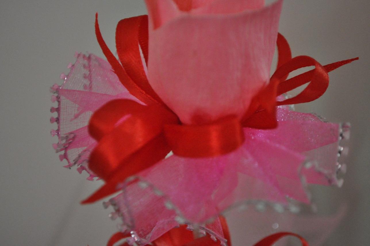 Cara untuk membuat bunga telur pink yang sangat comel ini ialah