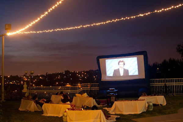 Backyard Parties At Night : love this gorgeous and fun movie night party from Unstitched