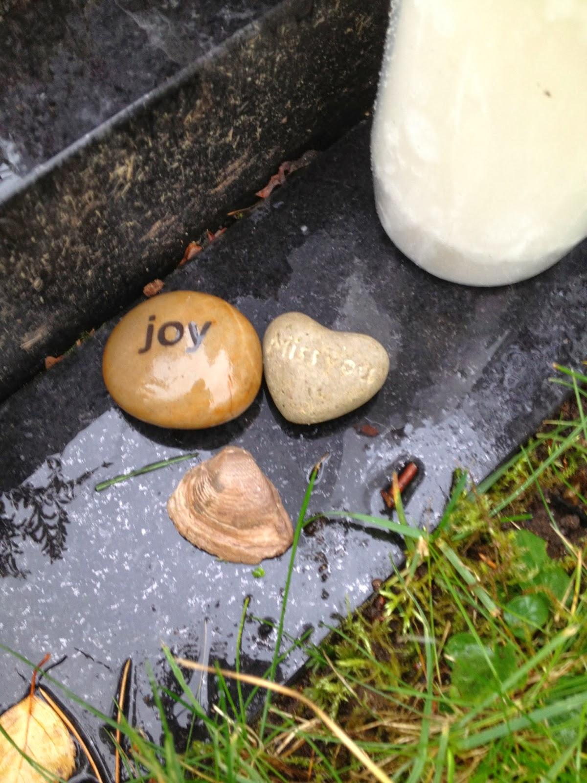 sten med skrift