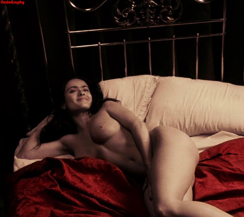 Salma hayek nude wallpaper