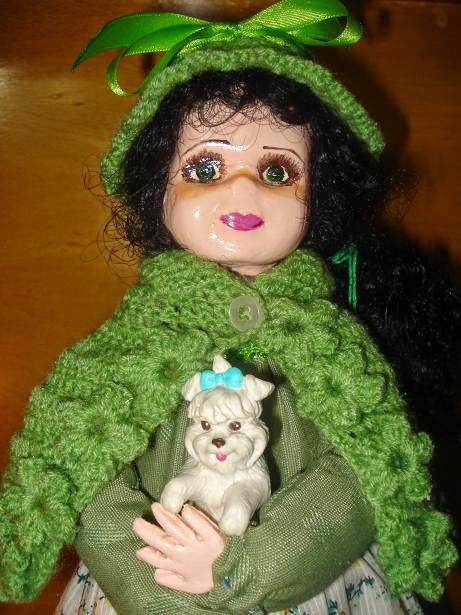 Muñeca de arcilla blanca
