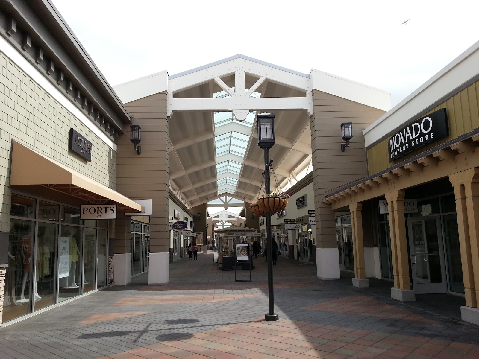 San Francisco Premium Outlets (Livermore Outlets) is located in Livermore, California and offers stores - Scroll down for San Francisco Premium Outlets (Livermore Outlets) outlet shopping information: store list, locations, outlet mall hours, contact and address.3/5(10).