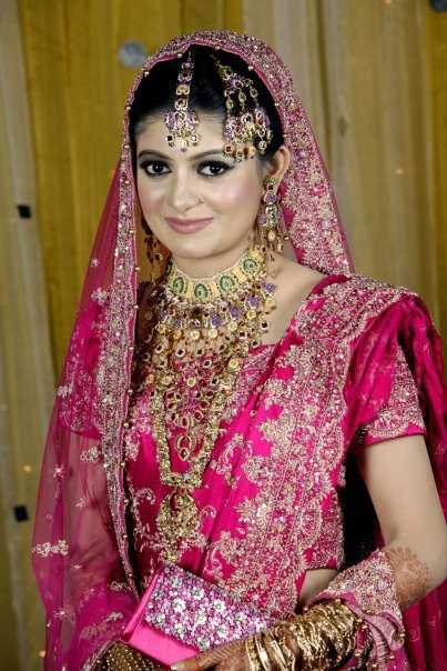 Here we collect Bridal Sarees with Dupattafor brides