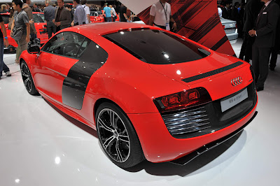 Audi-R8-eTron-Concept-Rear-Side-View