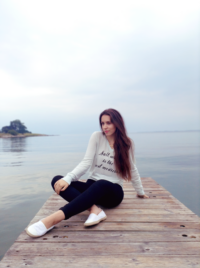 Wildfox Couture beach jumper salt water is the best medicine fashion travel blogger