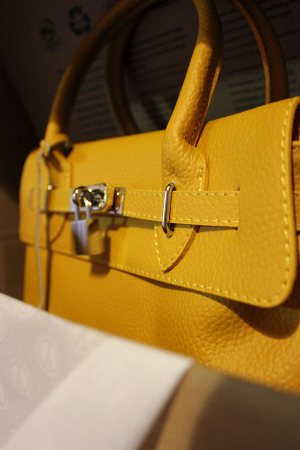 modemoiselle, fashion blogger, bag, yoox, parentesi bag, borsa, giallo ocra, shopping on-line