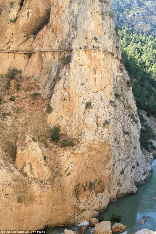 ElCaminoDelRey 008 - The Most Dangerous Path in the World