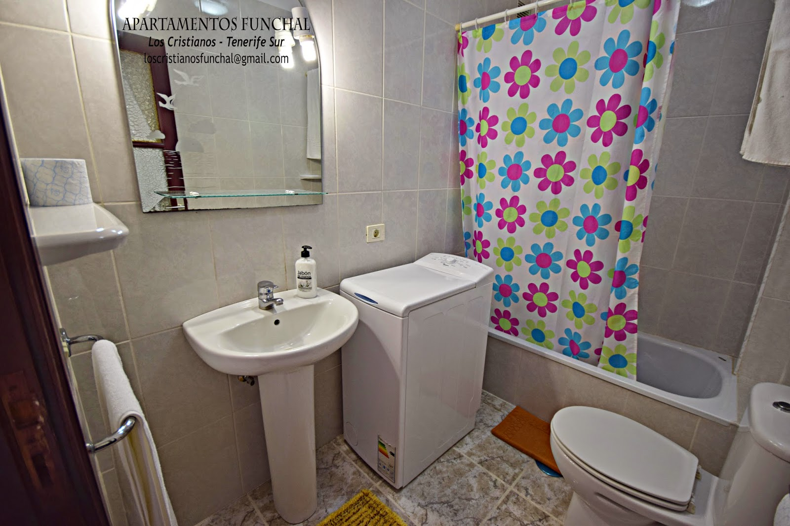 Funchal apartments los cristianos tenerife south 1 for Bedroom floor letra