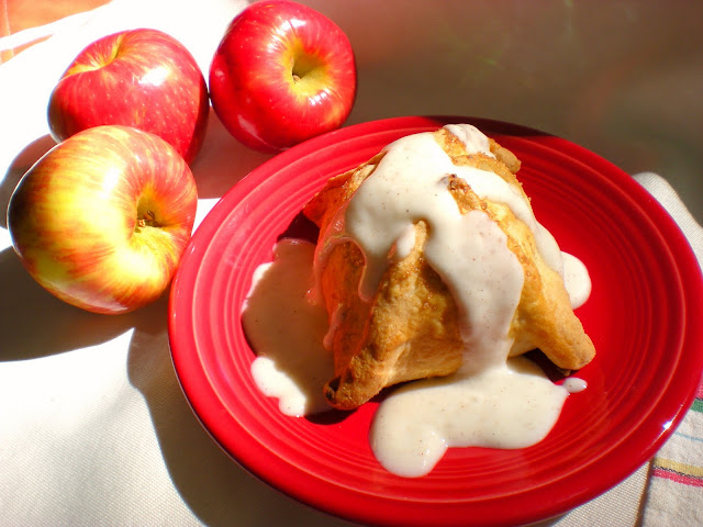 Cook and Her Books: Old-fashioned apple dumplings