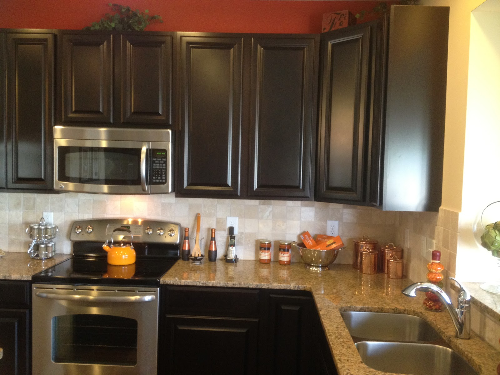 Kitchen Backsplash with Espresso CabiWhite
