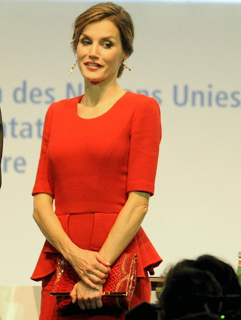 The focus of the discussion during the World Food Day 2015, held today in Milan, was how to combat food waste in the world. Queen of Spain Letizia , ambassador of the FAO (United Nations Organization for Food and Agriculture), was among the participants