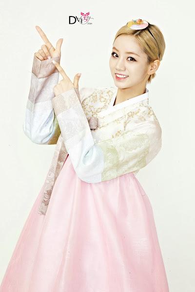 Girl's Day Hyeri Lunar 2014 Hanbok