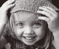sonríe, porque vale la pena