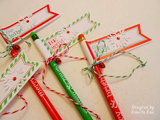 SRM Stickers Blog - Christmas Labels Greeting by Roberta - #labels #twine #kraft bags #gift wrap #pencils