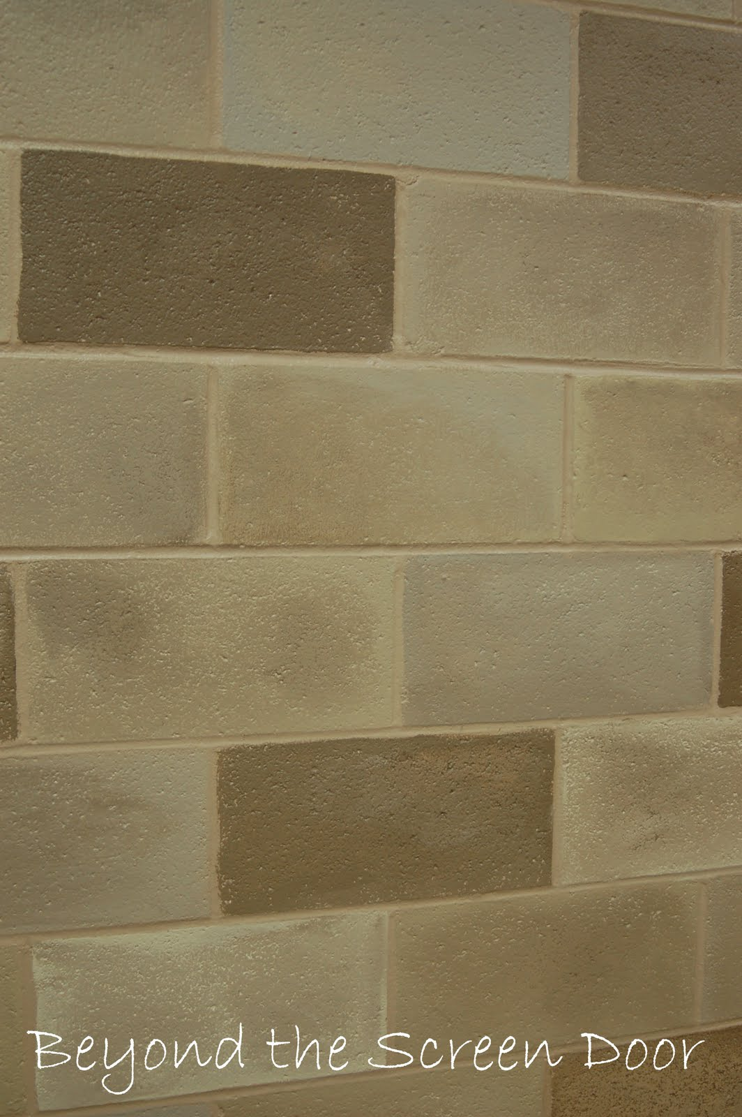 Painted cinder block wall texture - How To Paint A Concrete Wall To Look Like Stone