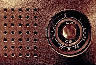 Old-Fashioned-Radio Wallpaper