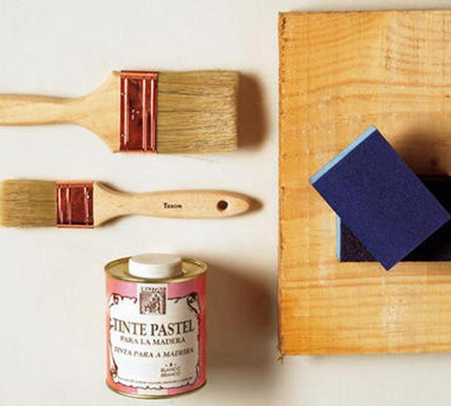 Un jersey de rayas escalera estanteria - Escalera de madera pintor ...