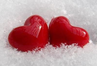 نصايح للبنات فقط (ماذا يحب الولد بالبنت؟) - قلوب حمراء بلاستيك - red hears palstic