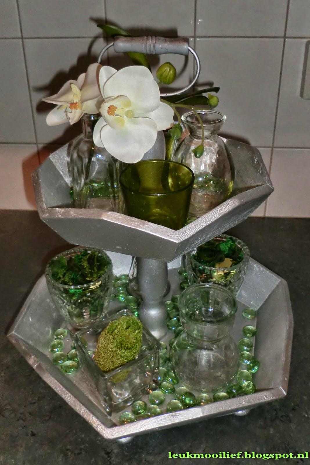 Leuk mooi lief etag re met groene decoratie for Decoratie op dressoir