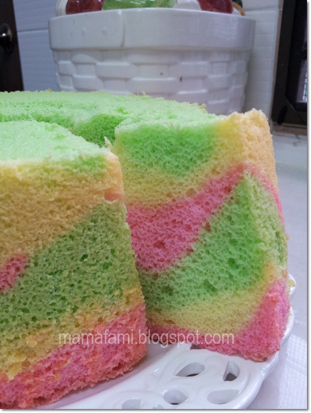 MamaFaMi's Spice n Splendour: Rainbow Chiffon Cake