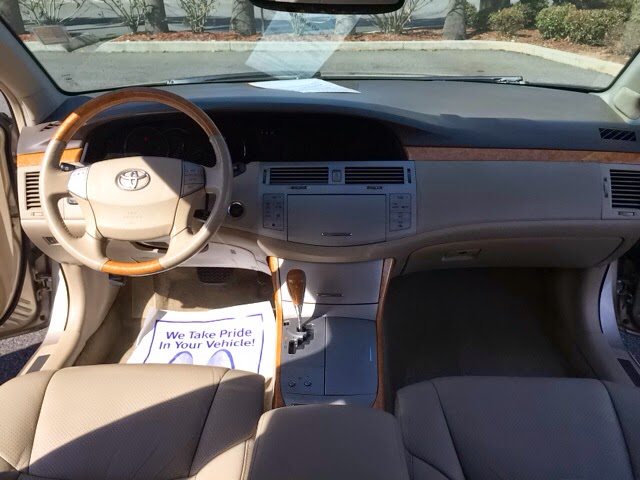 2006 Toyota Avalon Leather moonroof heated