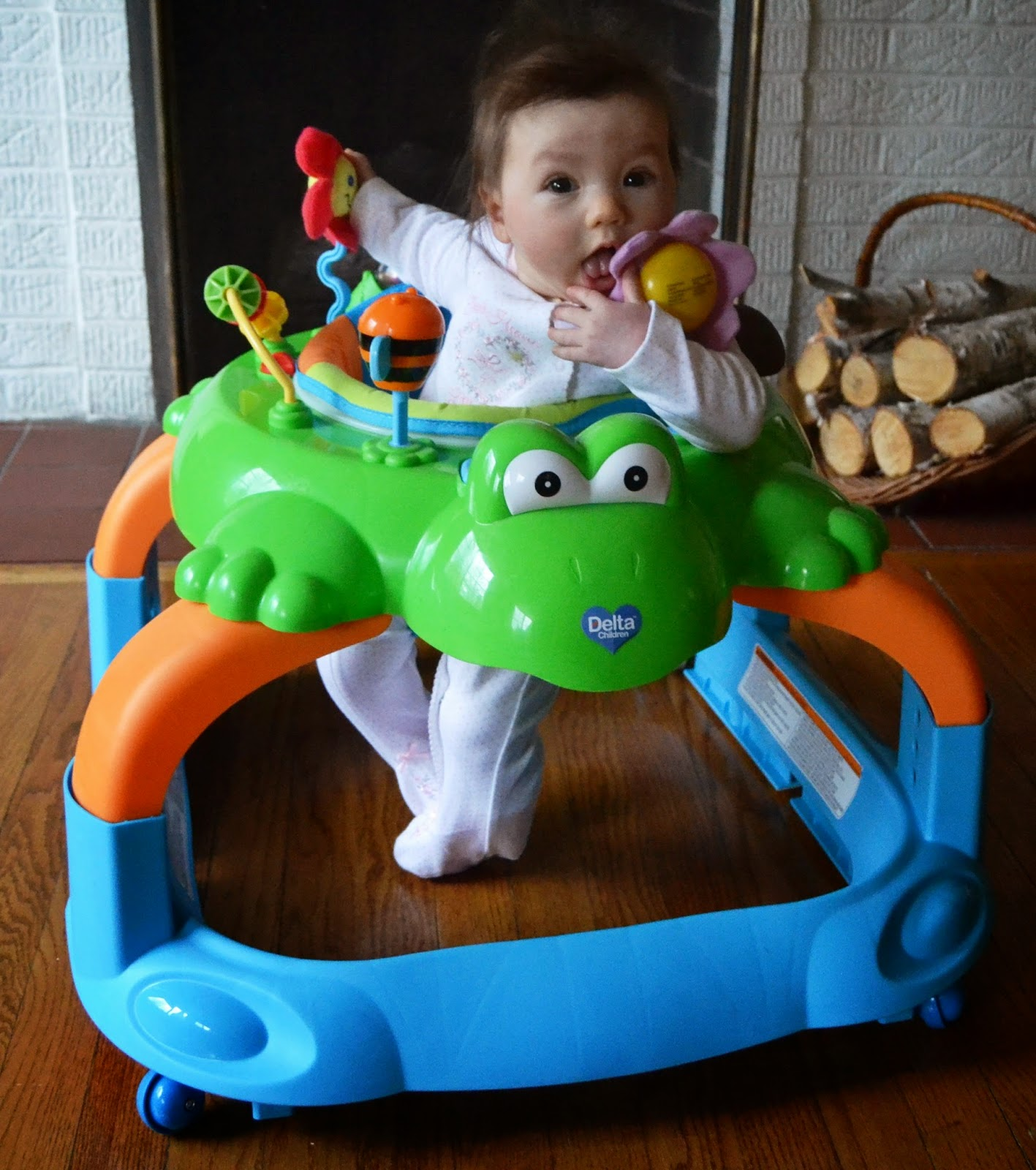 Delta Children Lil Frog 2-in-1 walker