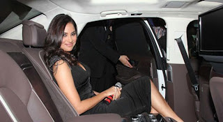 Lara Dutta black short dress