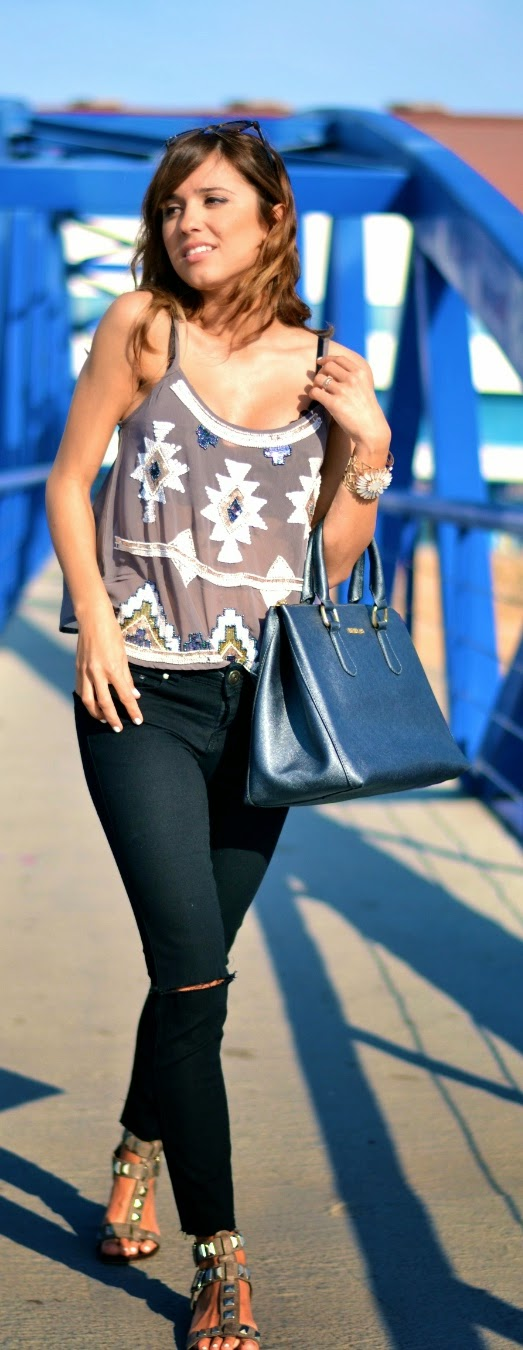 Embellished Aztec Top with Skinnies Ripped Jeans and Leather Bag | Summer Outfits