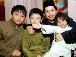 ayah n the boys