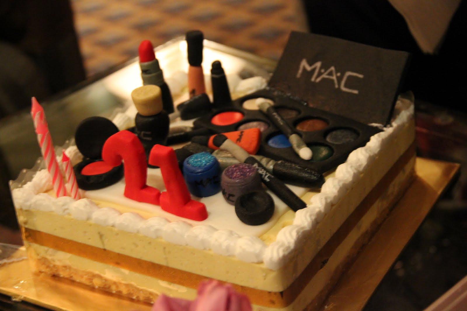 21st birthday cake :) - JennGorgeous