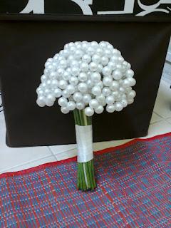 bunga tangan mutiara