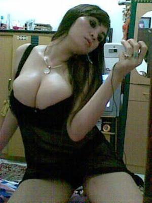 foto gambar tante seksi toket gede