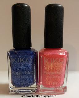 Sugar Mat Nail Laquer Kiko: a sinistra il 644 Blu Mare, a destra il 641 Rosa Fragola.
