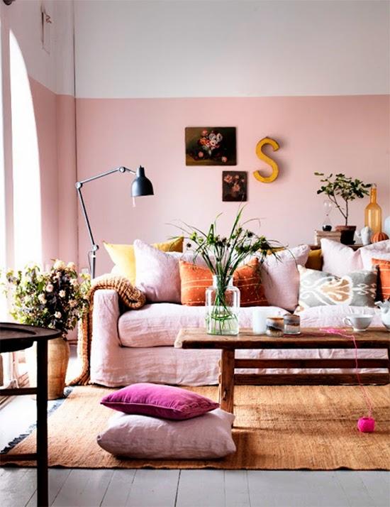 parede rosa na sala