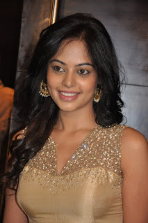Bindu Madhavi stunning Spicy Babe at Kazhugu Movie Audio Launch