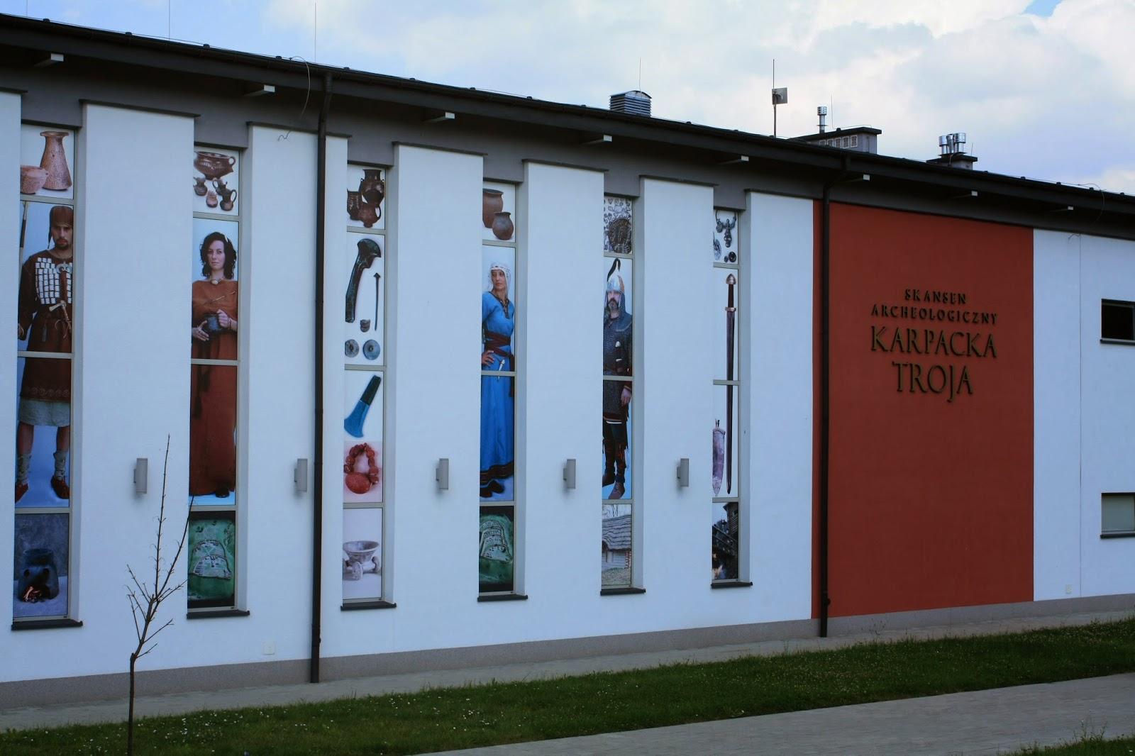 http://www.karpackatroja.pl/