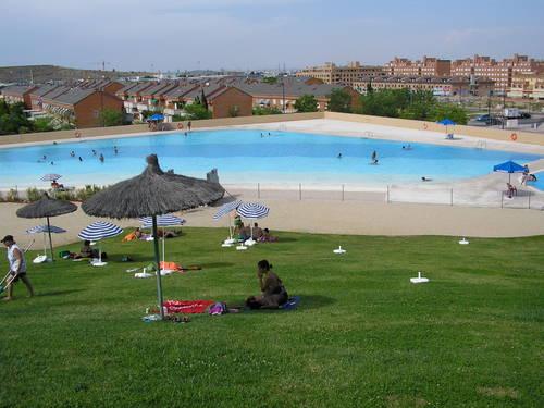 Parla actualidad noticias las piscinas de verano m s for Piscina fuenlabrada