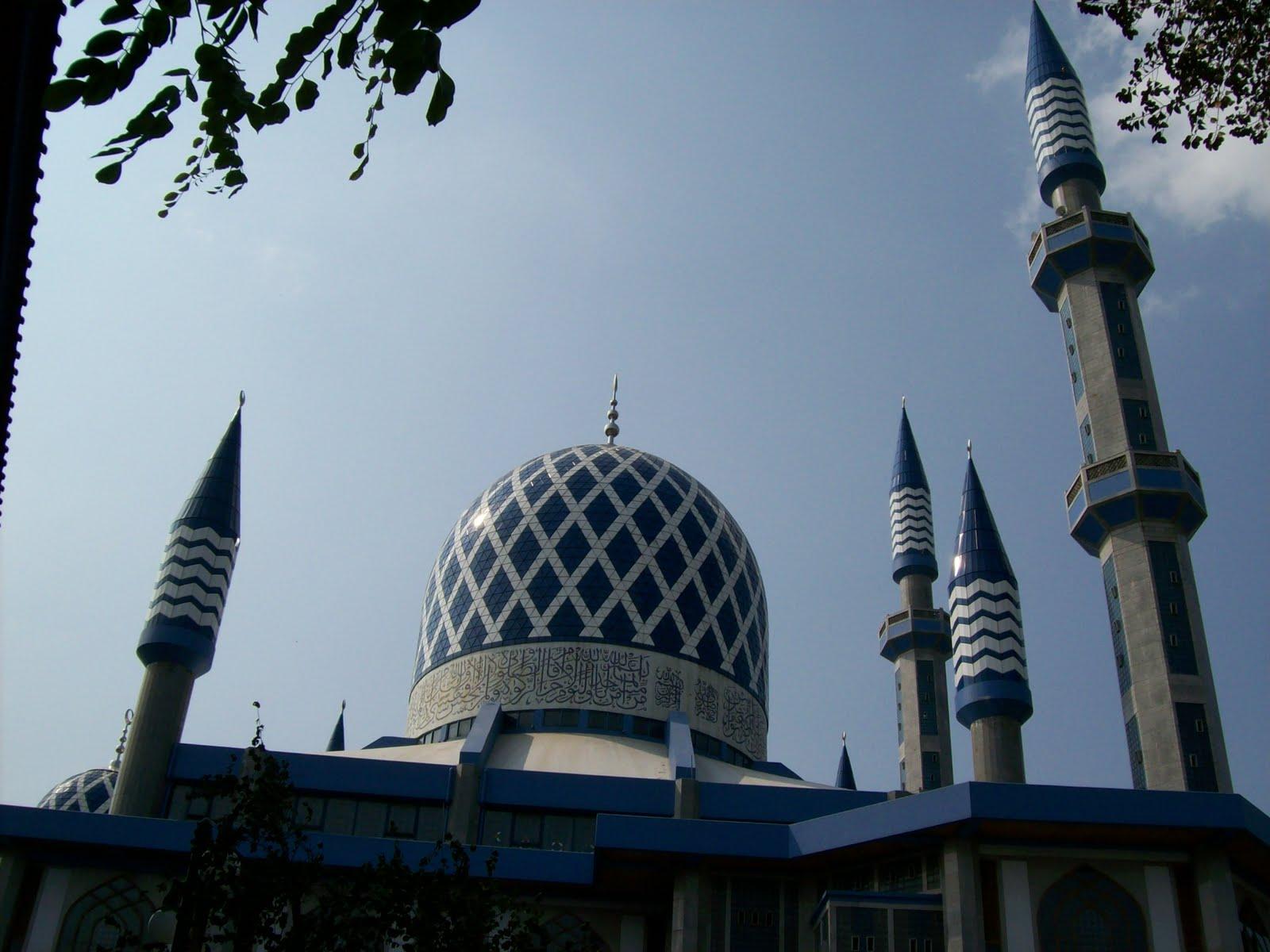 http://4.bp.blogspot.com/-IuDUnsmVlXA/TgY9CwNoLEI/AAAAAAAAAEk/bga5TcJHrYE/s1600/masjid+al+azhar.jpg