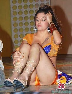 Celebrity Oops: Bollywood Upskirt Picture